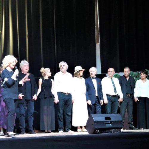l'équipe d'Hilarion sur les planches... et Bravo à nos techniciens Hubert, Alain, Bernadette, Chistiane, Alix...